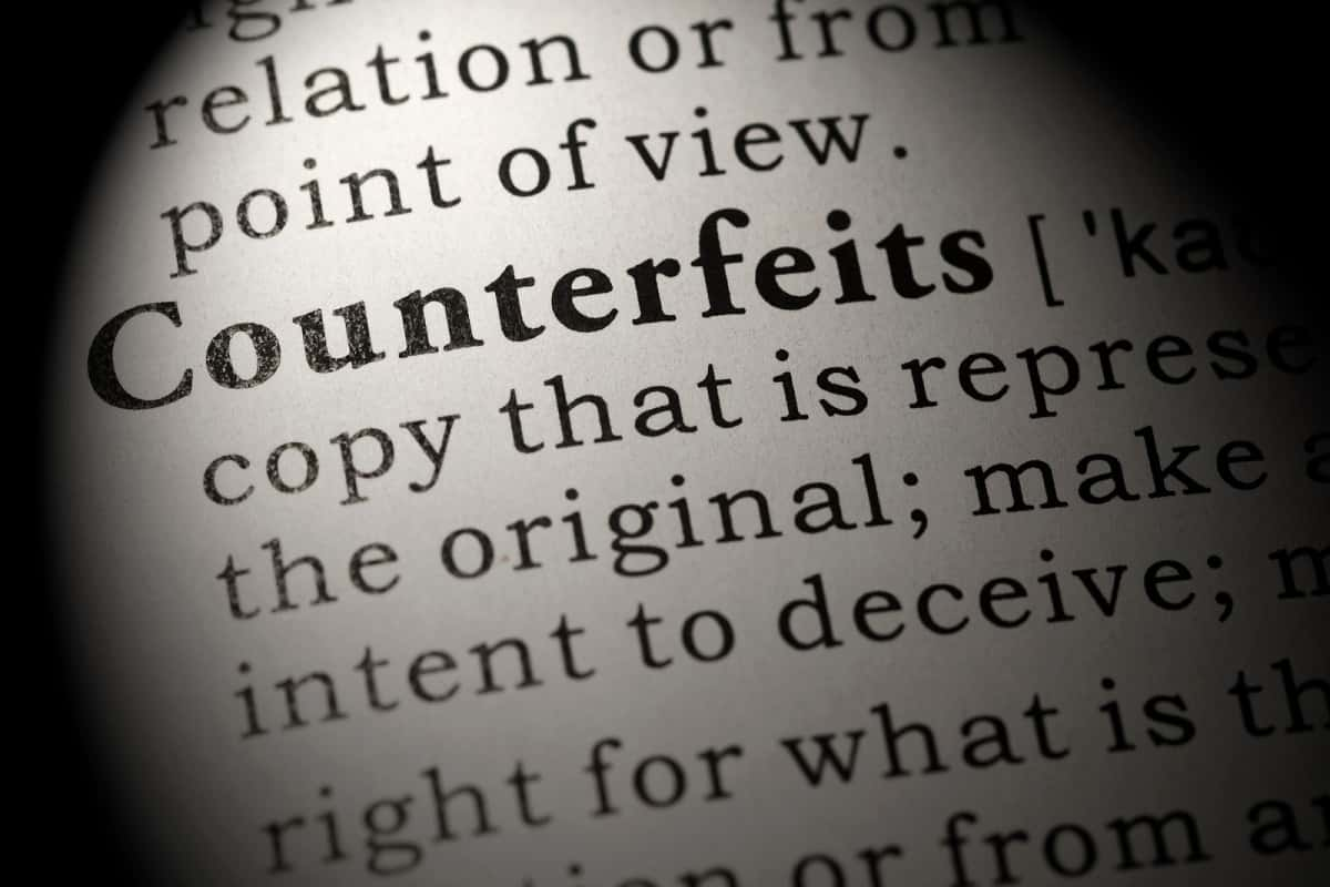Dictionary extract of the word 'counterfeits'